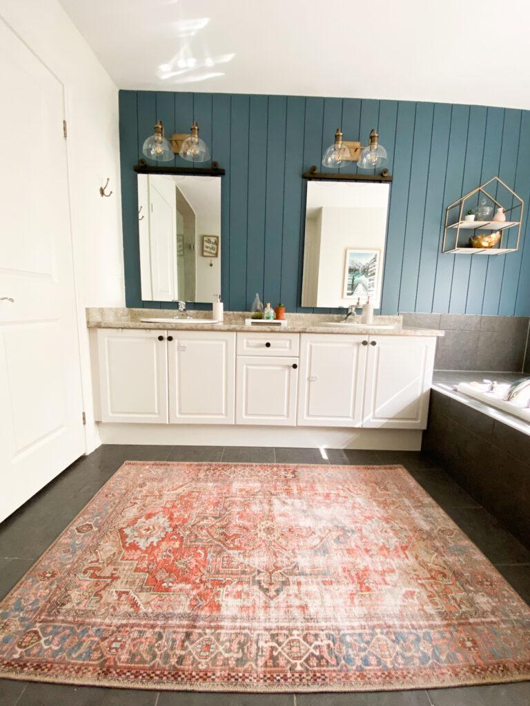 Vintage Inspired Rug Roundup  - Bathroom